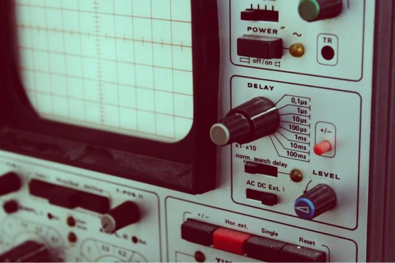 http://www.northeastofnorth.com/wp-content/uploads/2014/10/oscilloscope-800x534.jpg