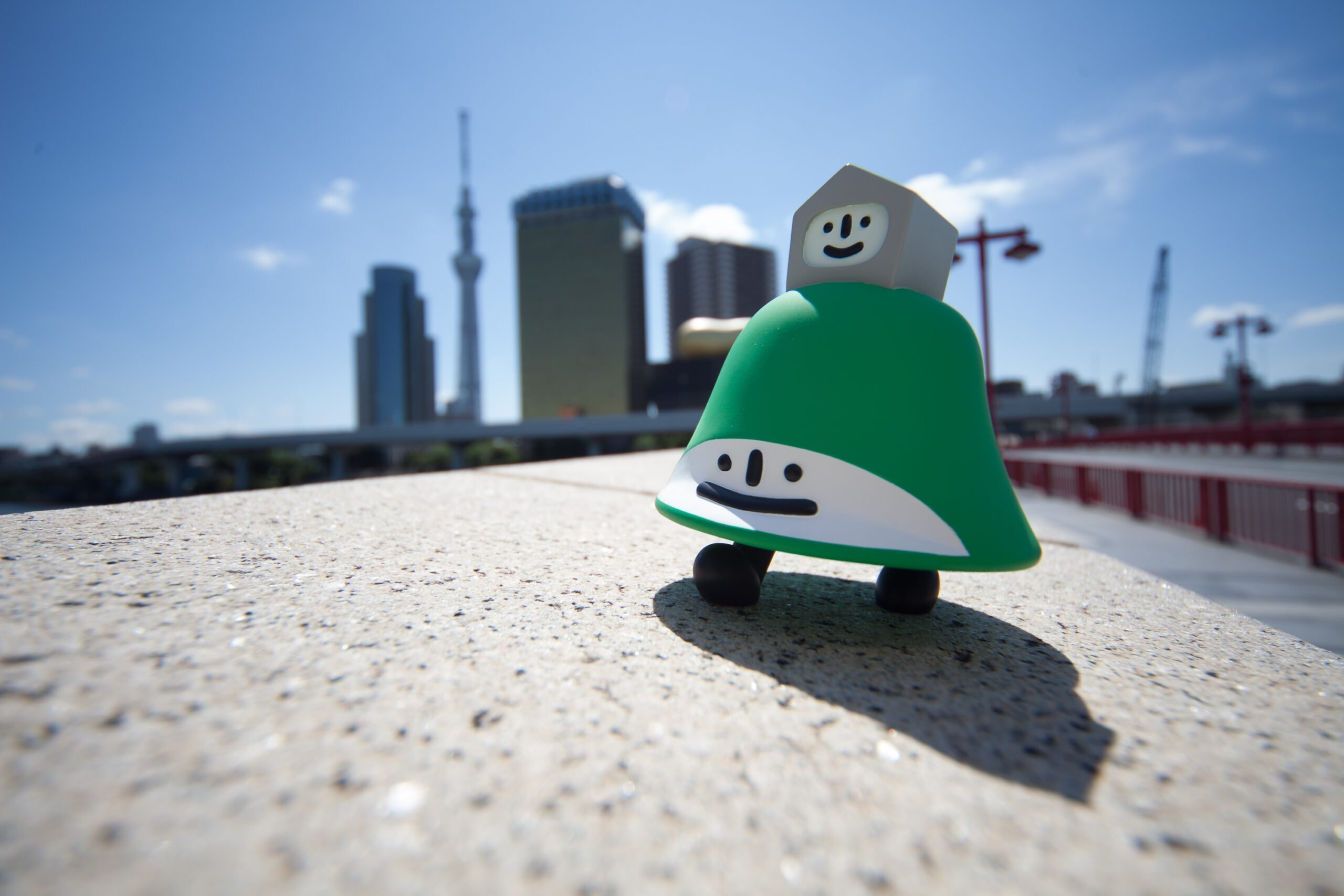 Lawhill vinyl figure in Tokyo (2012) photo by issekinicho.fr